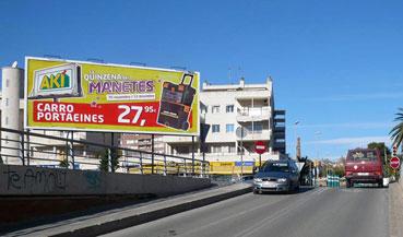Instalación de valla publicitaria