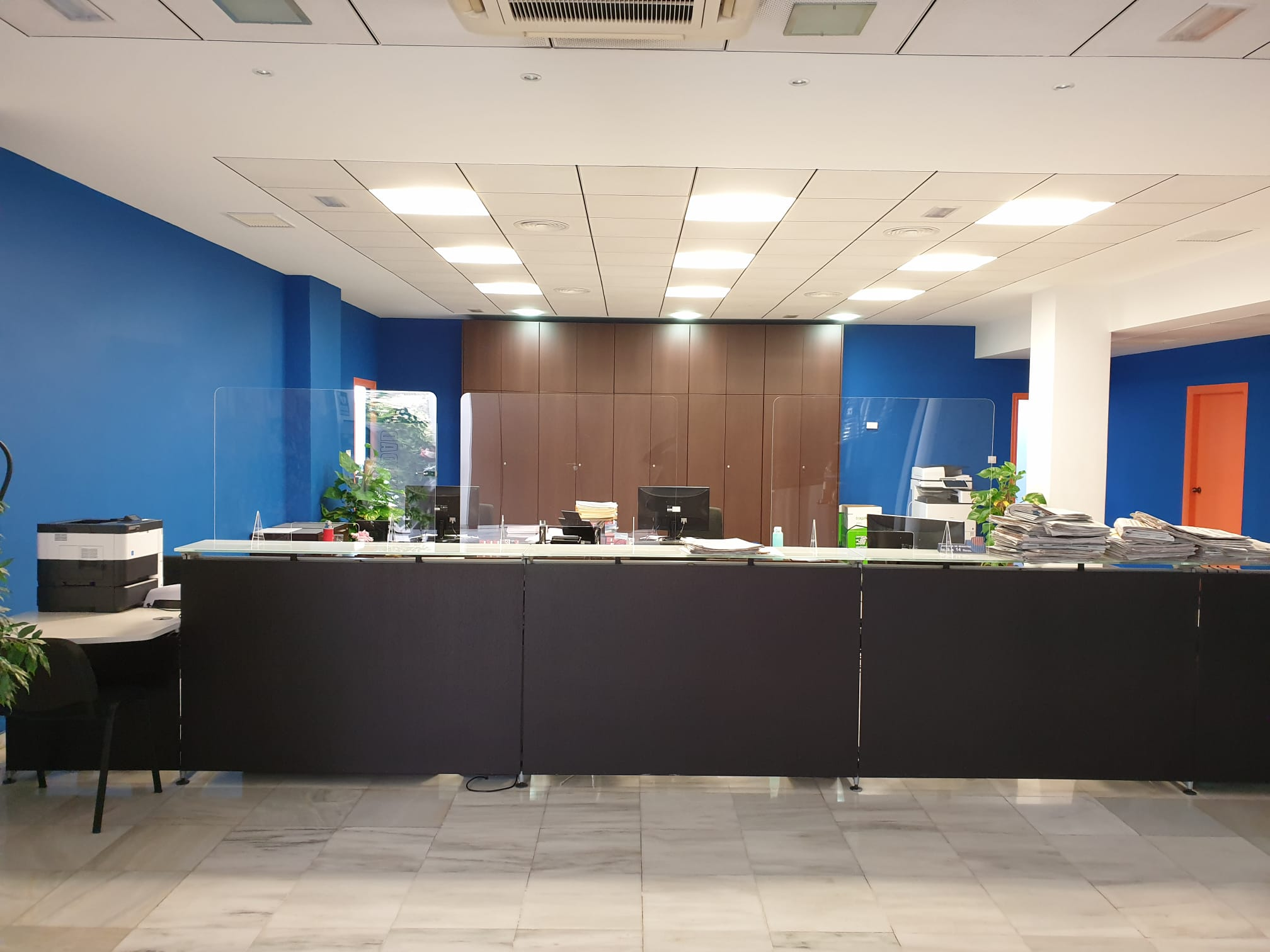 Mamparas protección oficinas